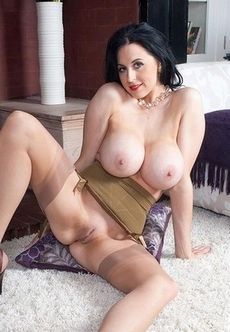 Sexy Mature Nude Pics