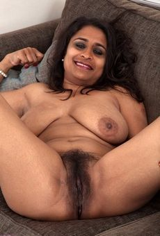 Mature Desi hairy pussy