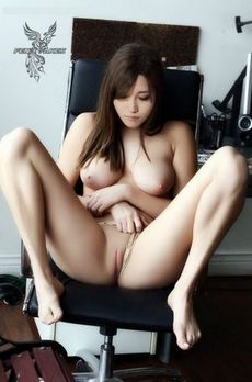 Gorgeous asian celebrity in..