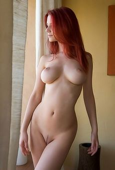 Sexy red haired slut has so..